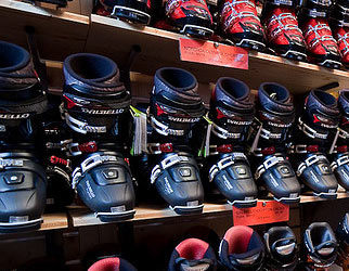Choosing your ski boots  By Jim Lister, Ski Republic branch manager in Les 2 Alpes